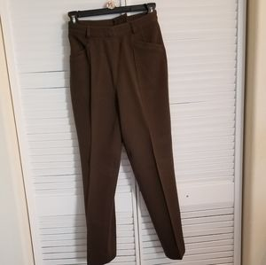 Jessica 100% Wool Ankle Pant in Mossy Green Color